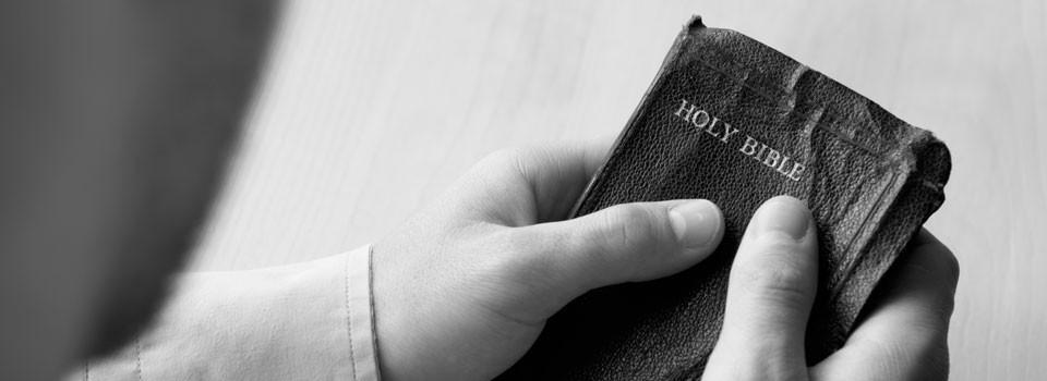 bibbia-nelle-mani-blog
